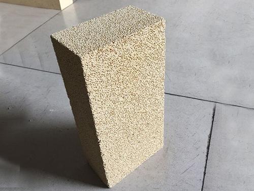 高铝聚轻砖